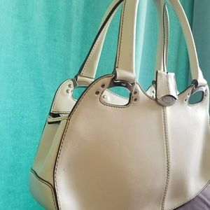 Tod's white handbag.